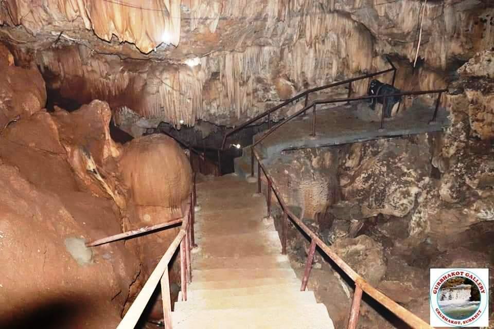 एक पटक पुग्नै पर्ने गुर्भाकोटकाे मालारानी गुफा (भिडियो सहित)